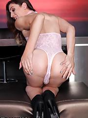 Brunette shemale Korra Del Rio show us her ass stuffing dildo skills